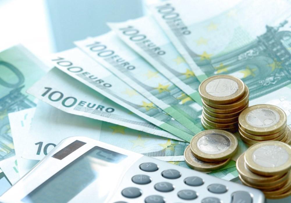 FINANZIAMENTI Finanziamenti e agevolazioni per la tua attività